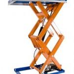 Подъемный стол с вертикальными ножницами фото